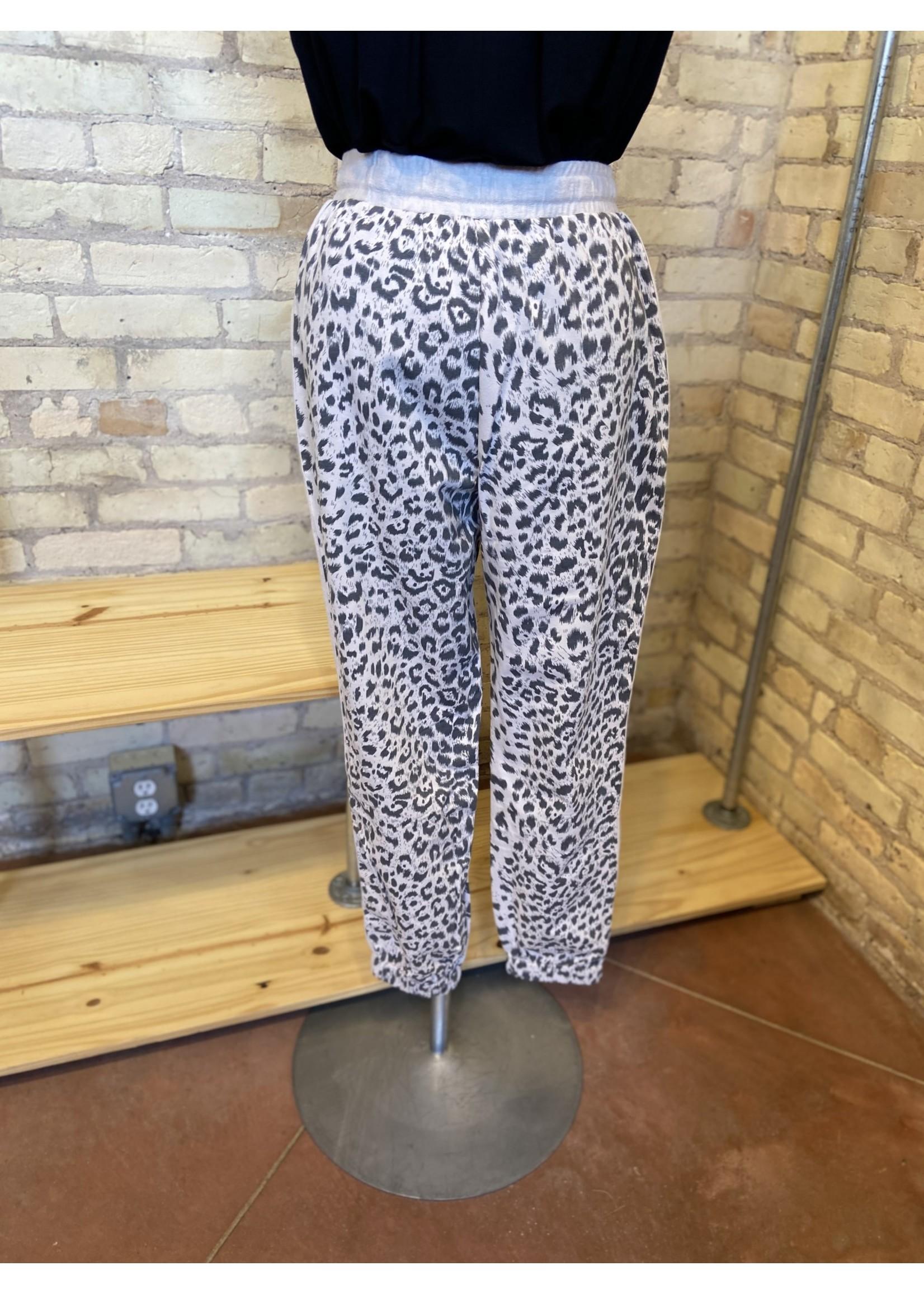 Loveriche Leopard Print Sweatpants