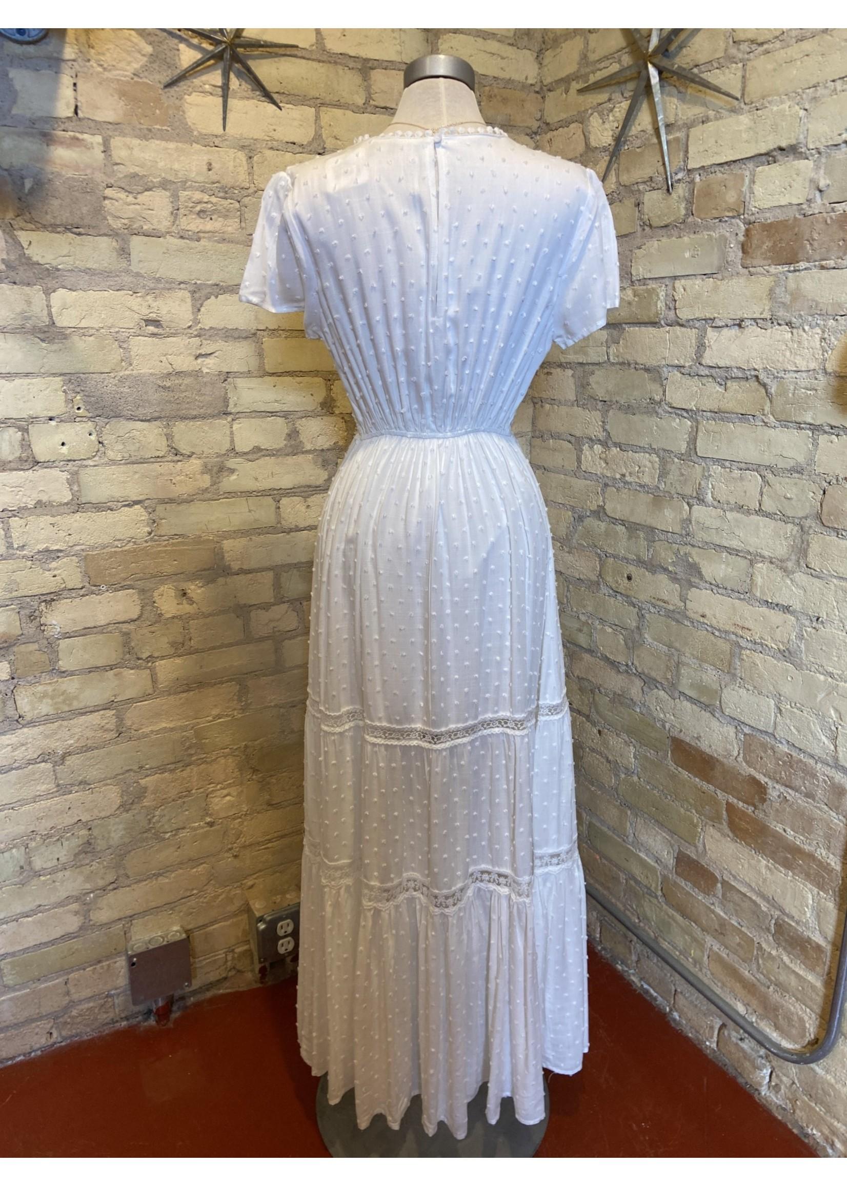 Aakaa Short Sleeve V-neck Maxi Dress