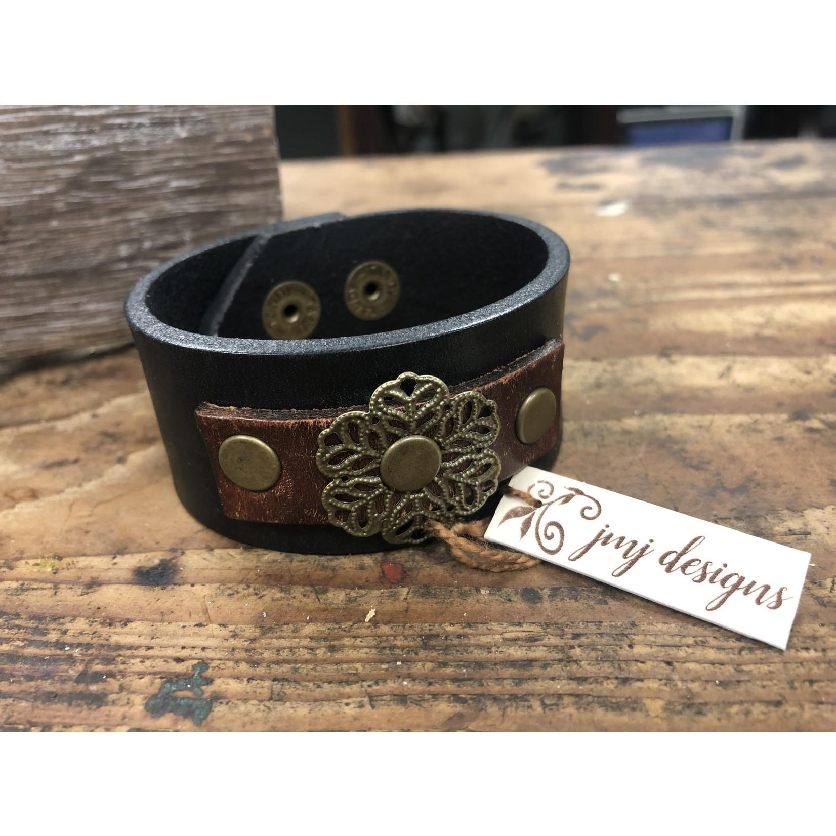 Julia Jones JMJ Designs 120-10 Leather Belt Bracelet - Brass Flower