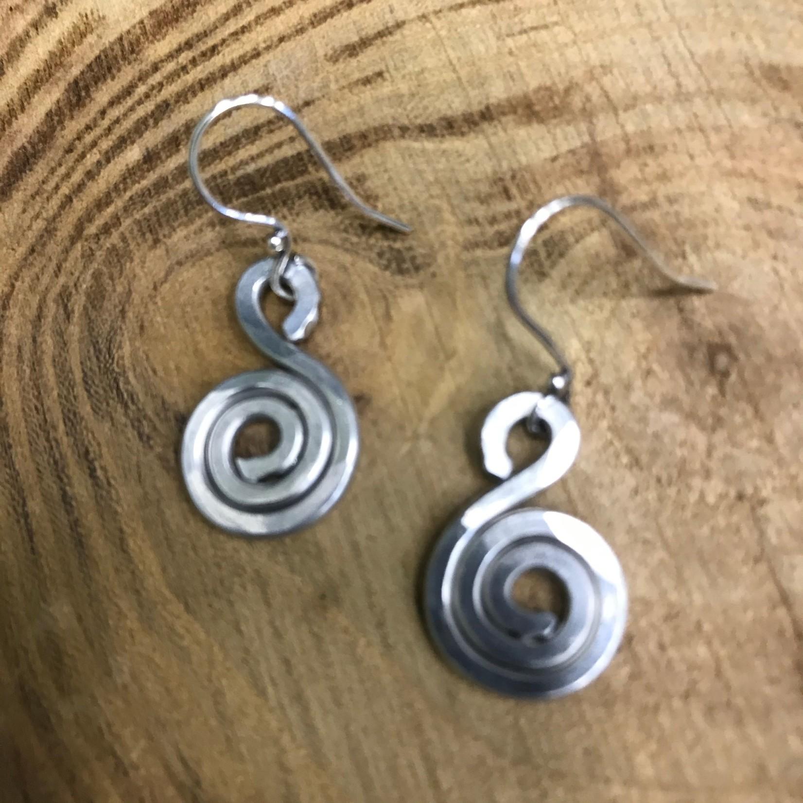 Julia Jones JMJ Designs Earrings 1020-8 SS Small Swirl