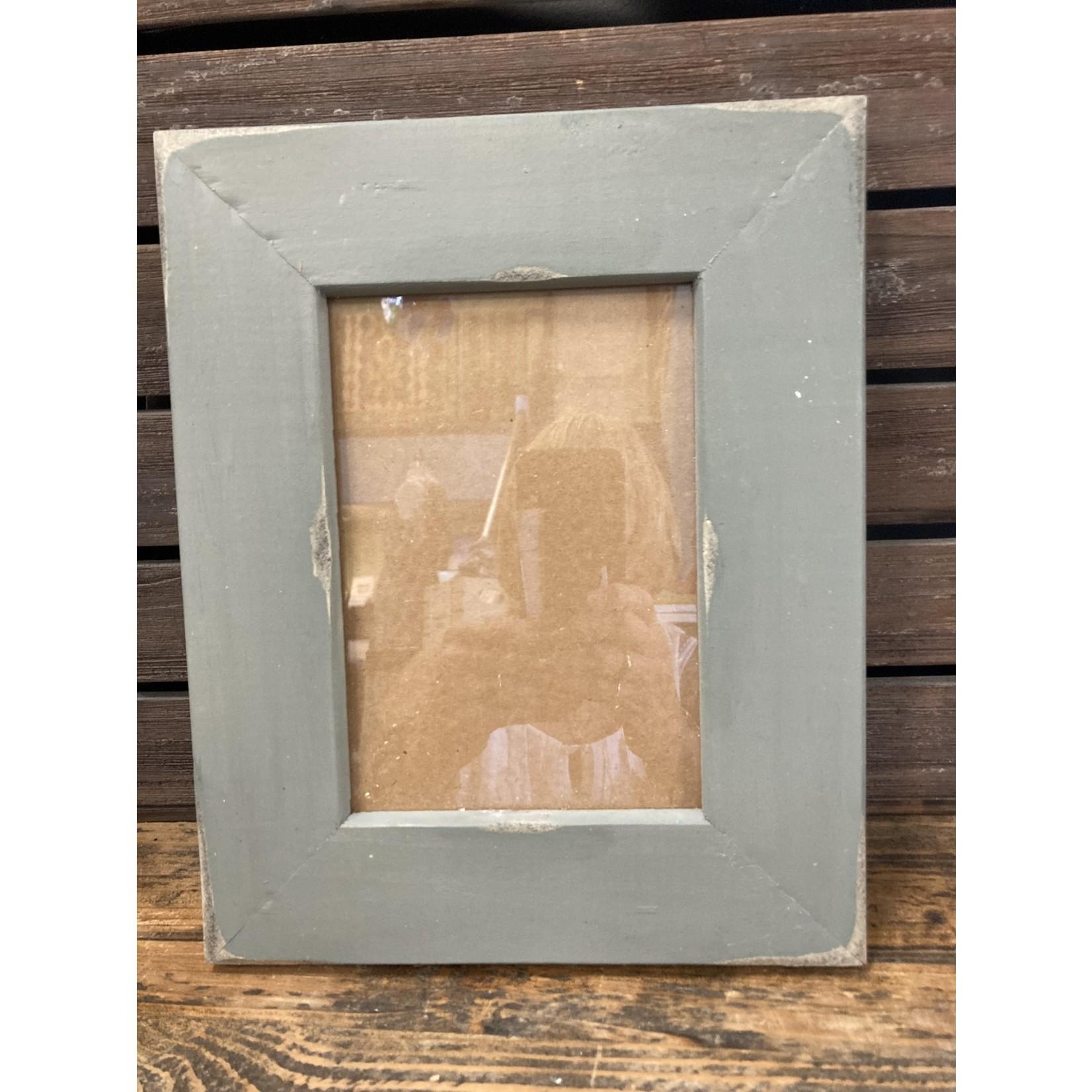 All Barn Wood Frames All Barnwood Frames 5 x 7 Gray Basic 2 in antique frame