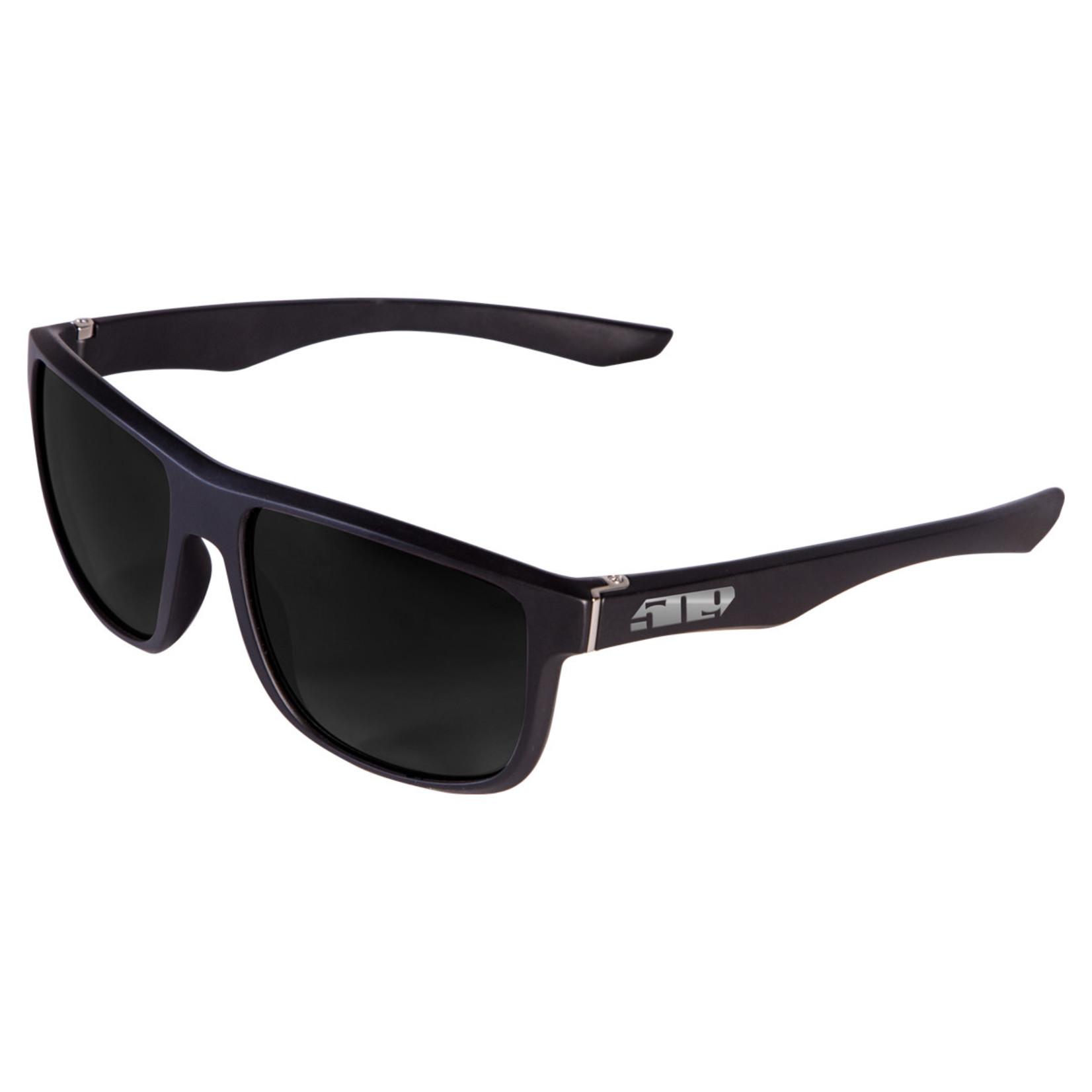 509 Riverside Sunglasses - Matte Black (Polarized Smoke Tint)