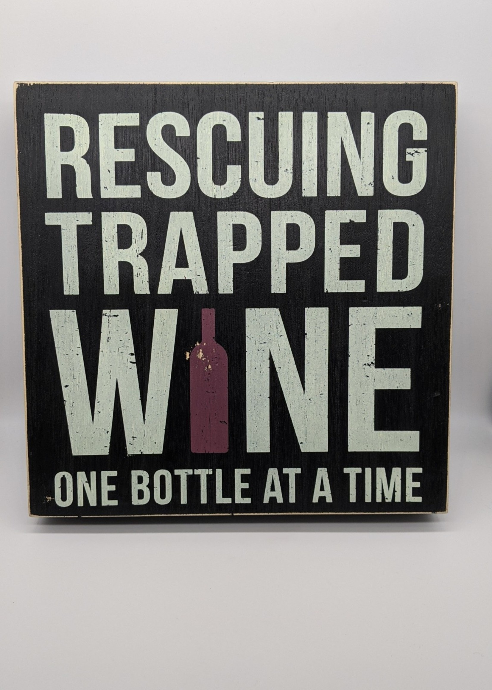 BOX SIGN - TRAPPED WINE