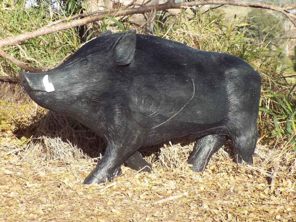 Southern Cross Targets SCT 3D Trotting Boar Target Black/Grey