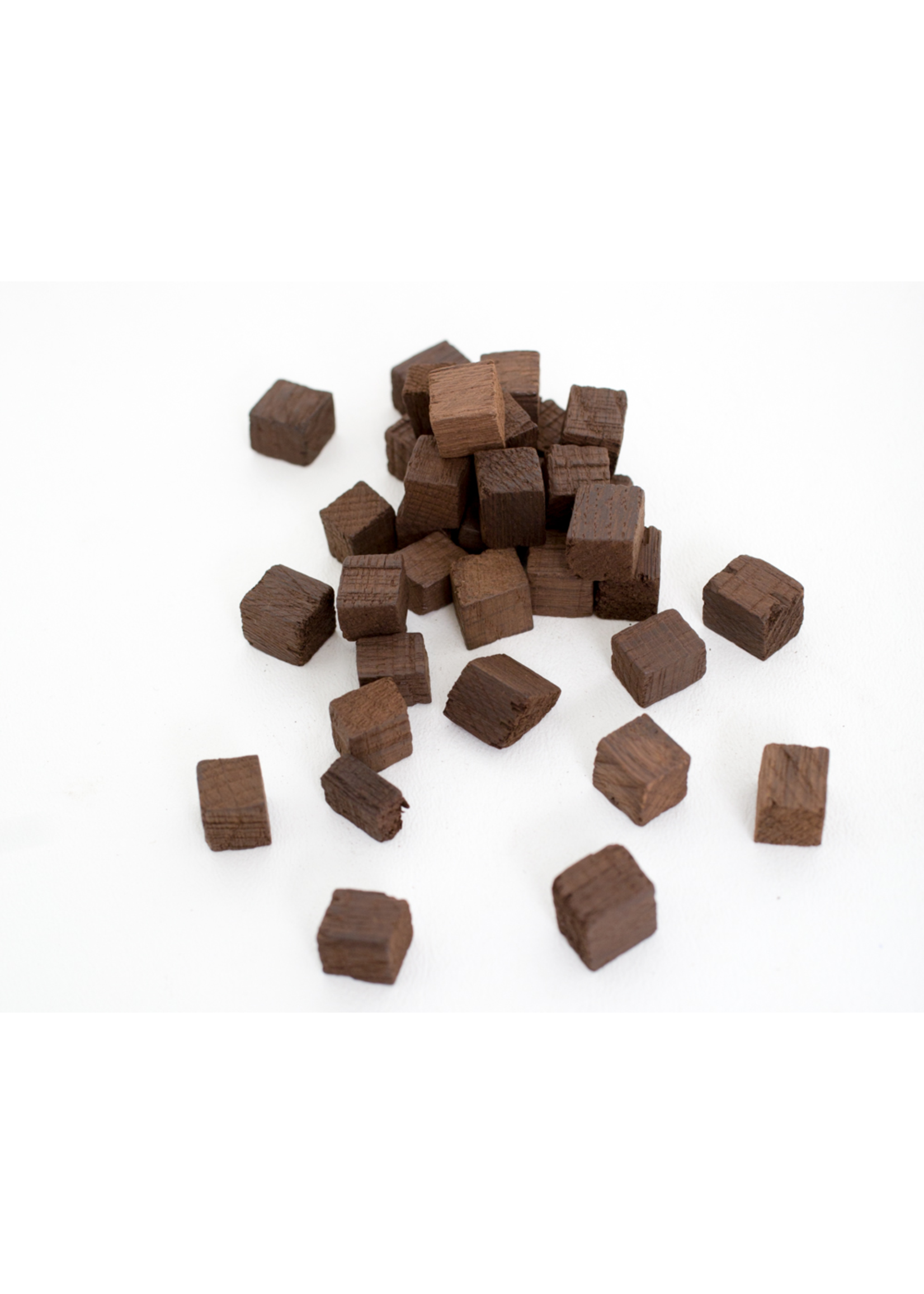 Extracts/Adjuncts Medium Toast Hungarian Oak Cubes - 3oz