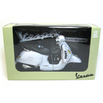 Lifestyle Toy, Vespa GTS300 1:12 Scale White