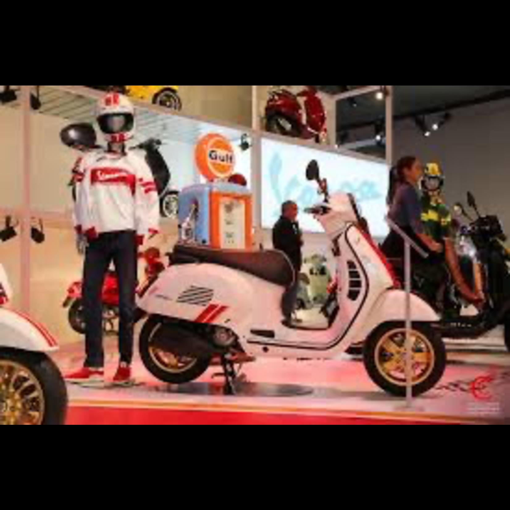 Vehicles Vespa, 2021 GTS300 HPE Racing 60's White