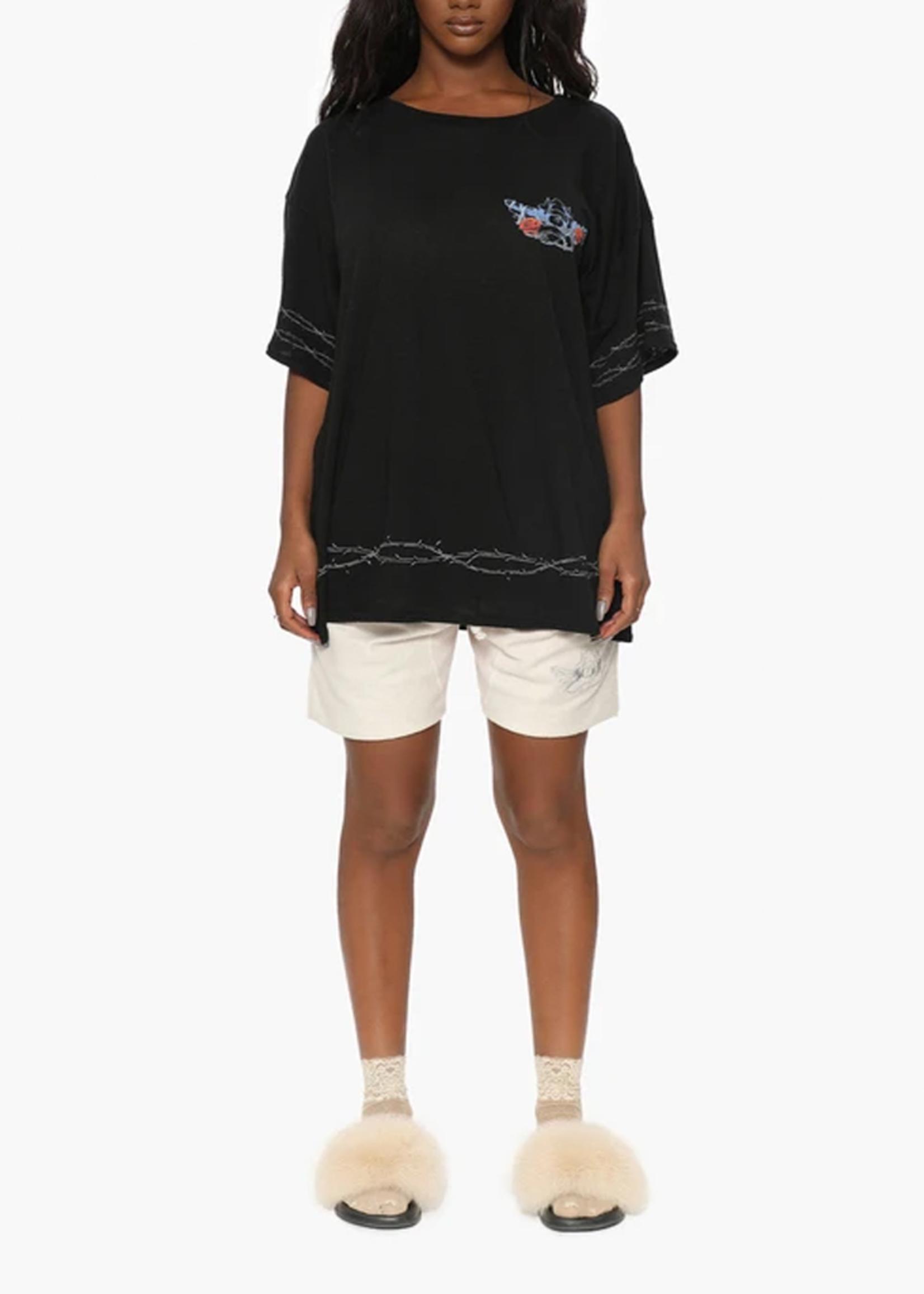 BOYS LIE BOYS LIE / Love at First Bite T-Shirts