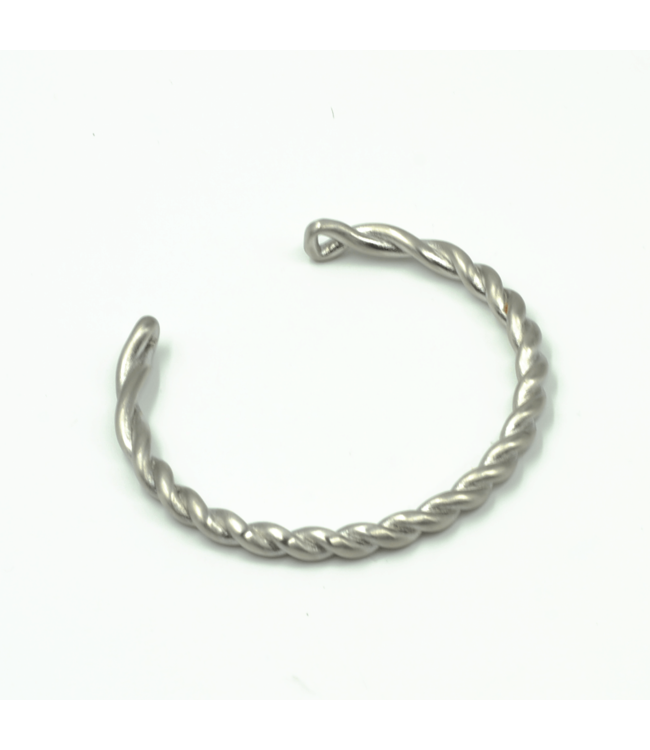 Curated Basics Twisted Steel Cuff