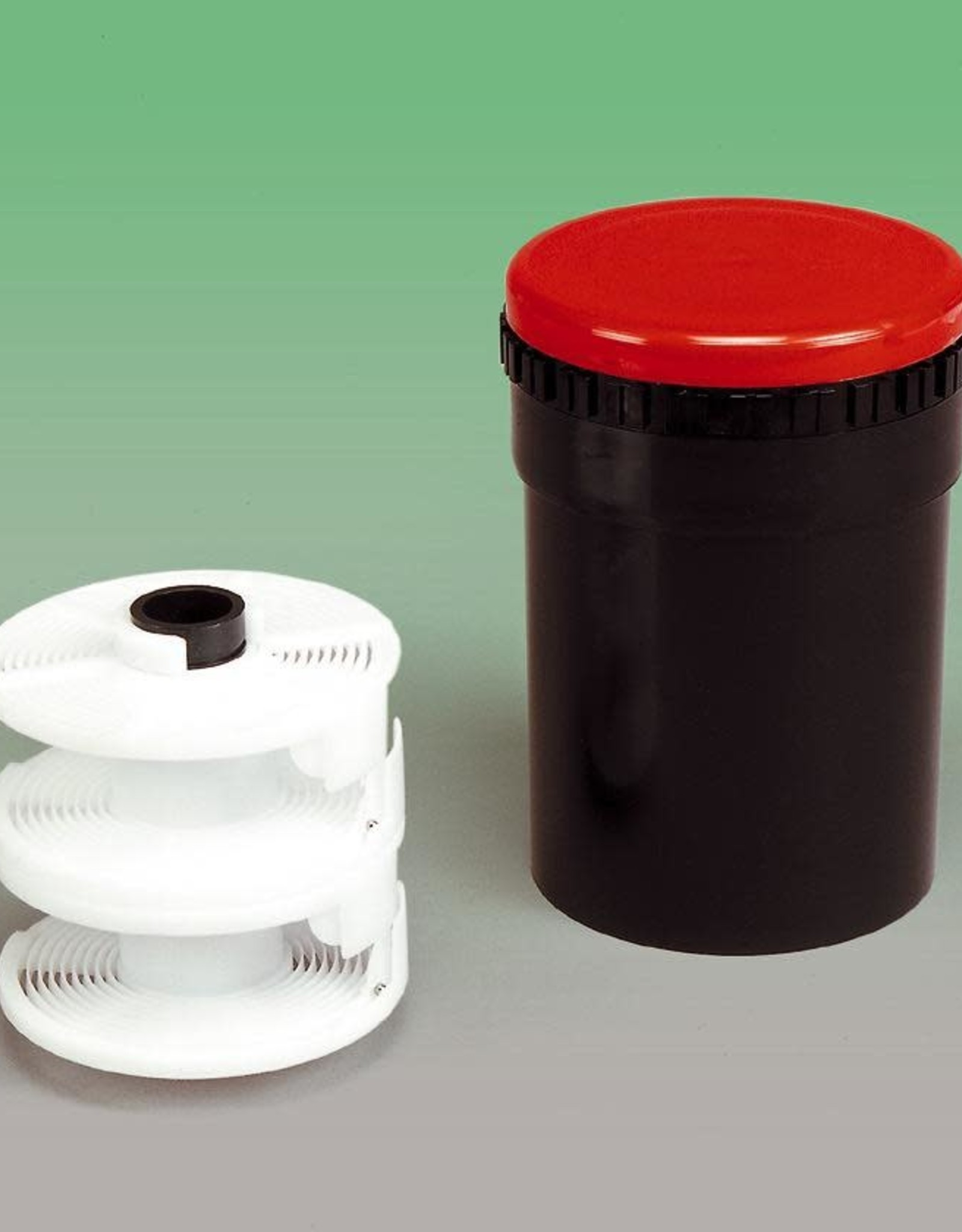 Kaiser Basic Film Processing Kit Includes: Kaiser developing tank with 2 reels, developing tank thermometer, 500ml graduate, 1L mixing jug, funnel  *Chemistry not included *A darkroom, or light tight space also required