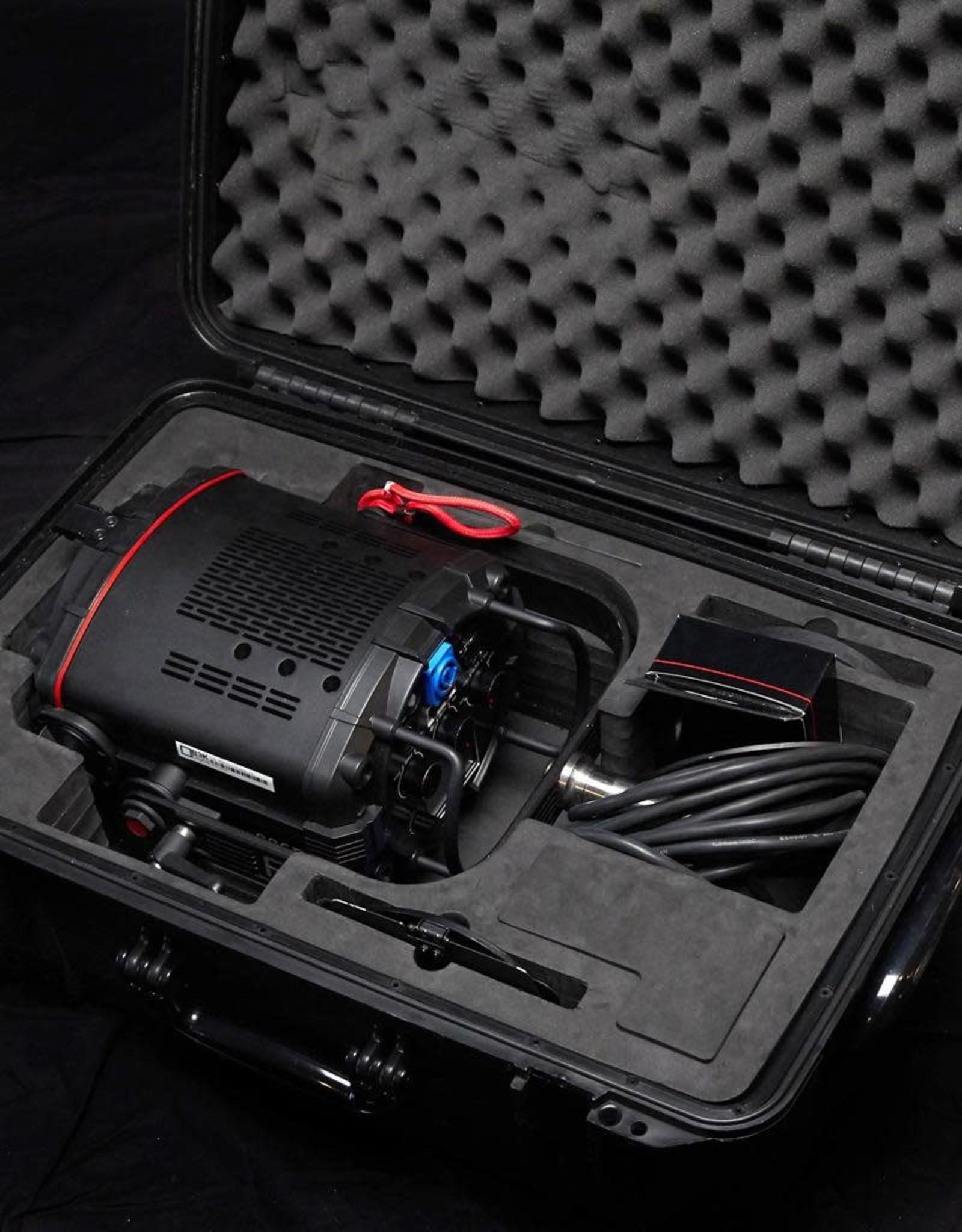 "Fiilex Fiilex Q500AC LED Unit (Includes Barndoor, 5"" Fresnel Zoom Lens, Power Cable)"