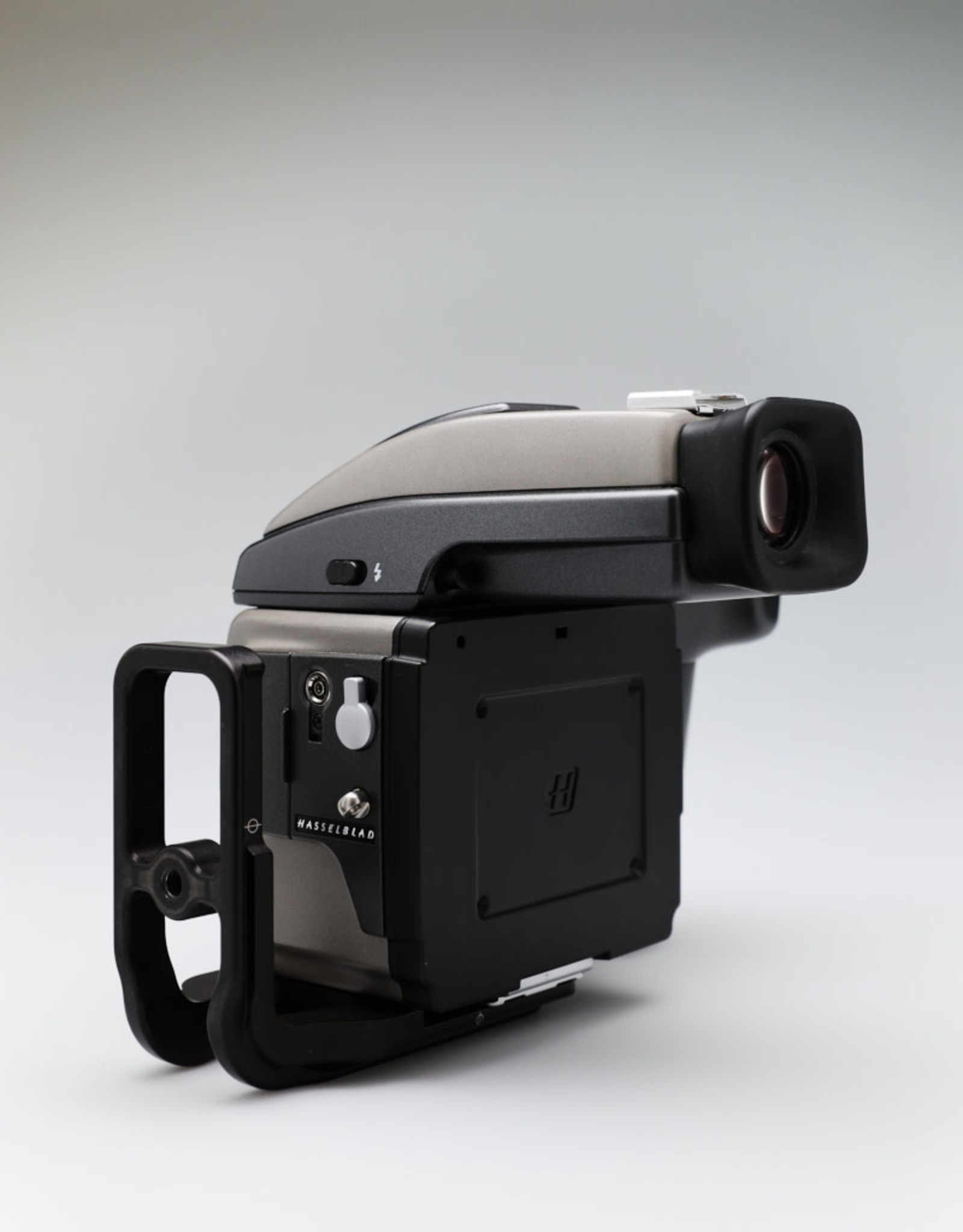 USED  Hasselblad H1 Body with HVD90X Viewfinder