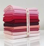 Robert Kaufman Kona Fat Quarter Bundle: Reds / Pinks 10pc