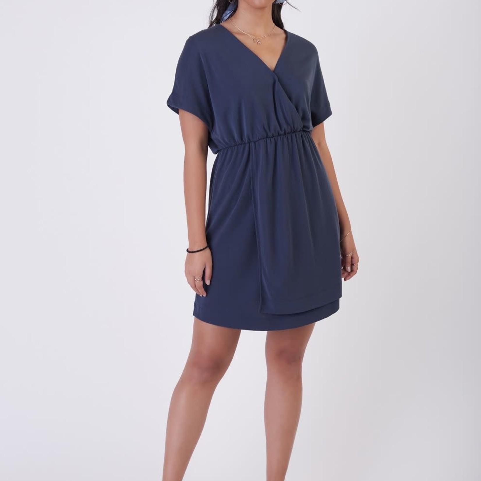 Black Tape SS Simple Knit Wrap Dress