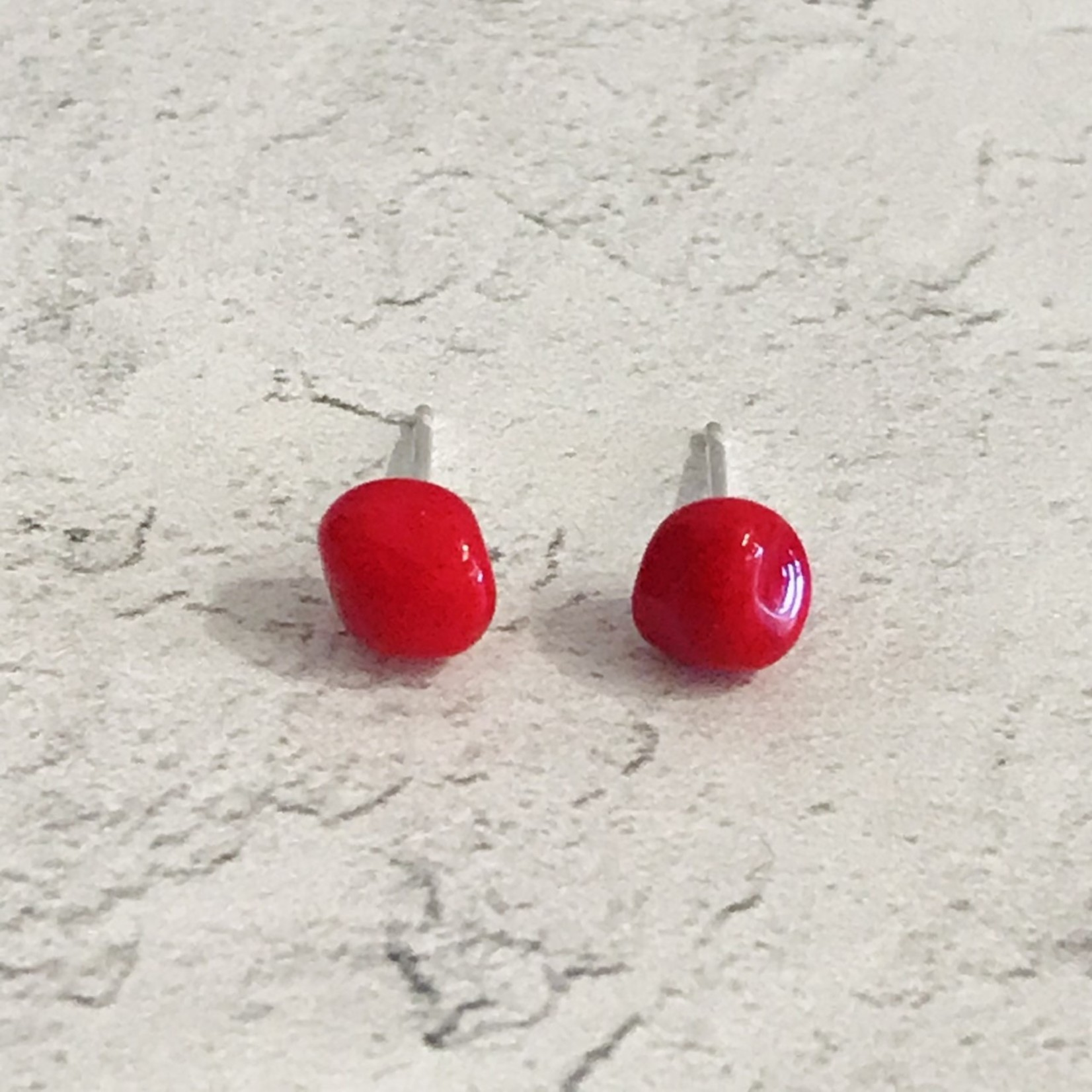 Pebble Stud Sterling - Red