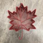 Red Maple Leaf Shaped Mesh Feeder