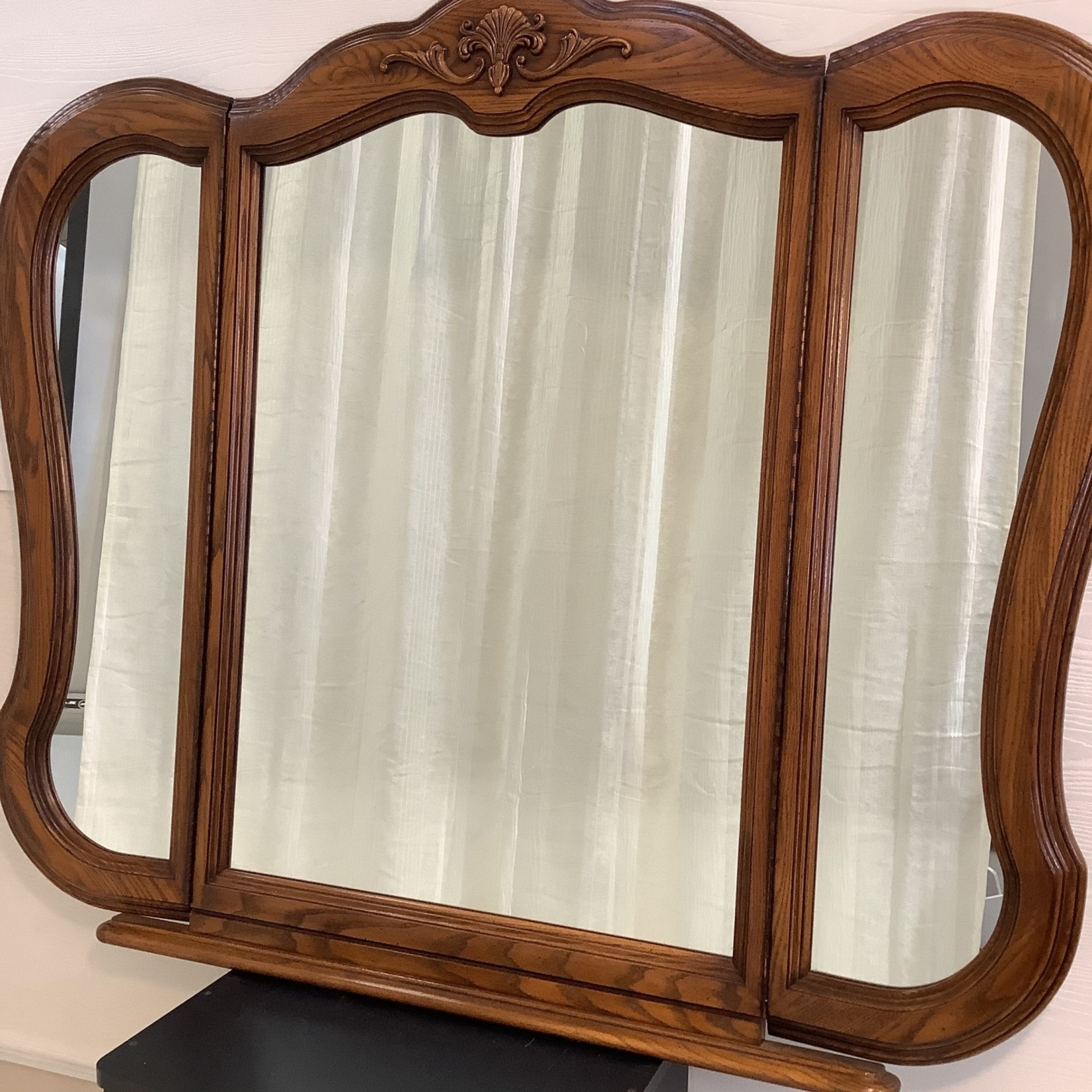 Large Mirror with two foldable side mirrors