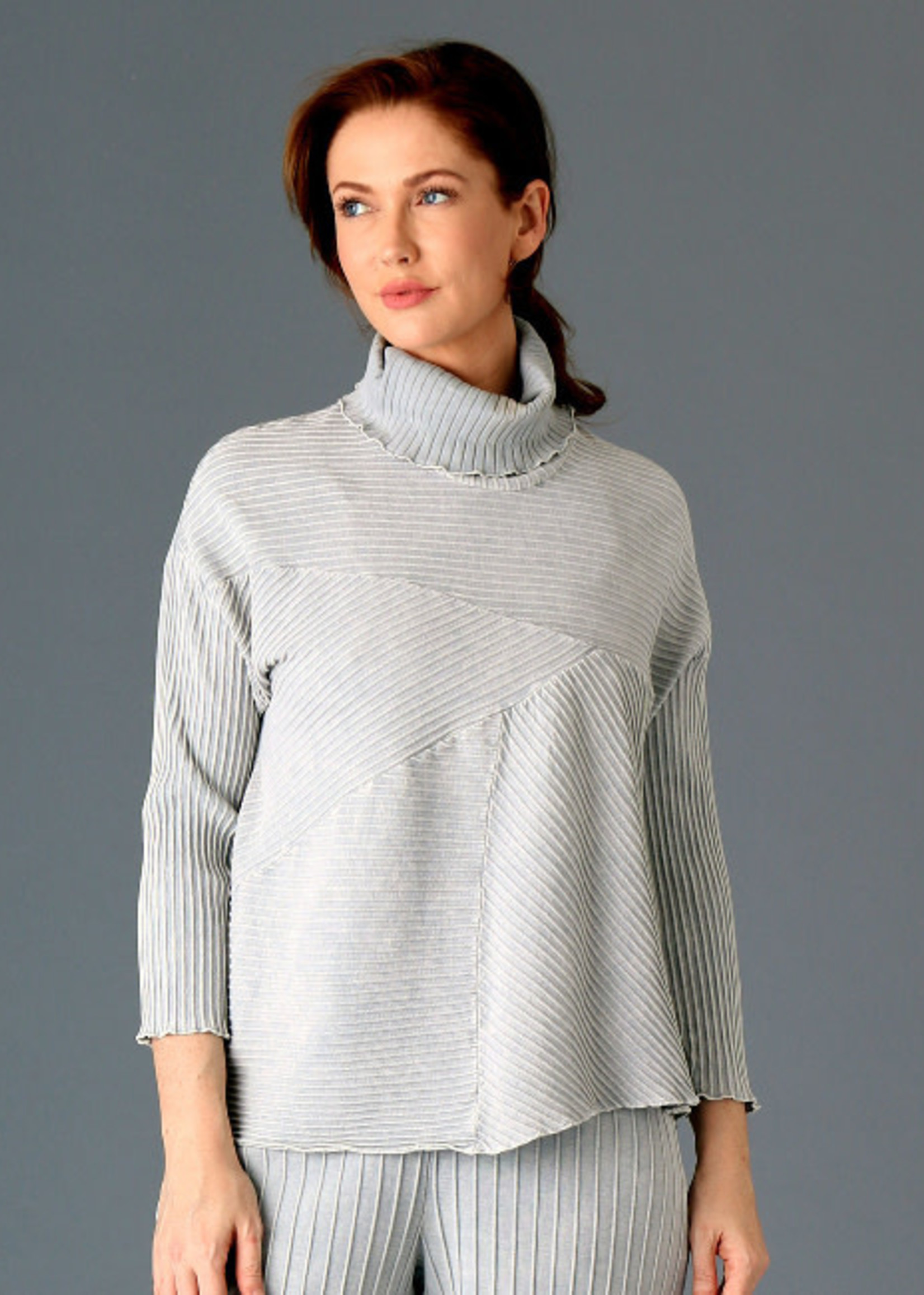 Fenini Light Grey Ribbed Turtleneck Top
