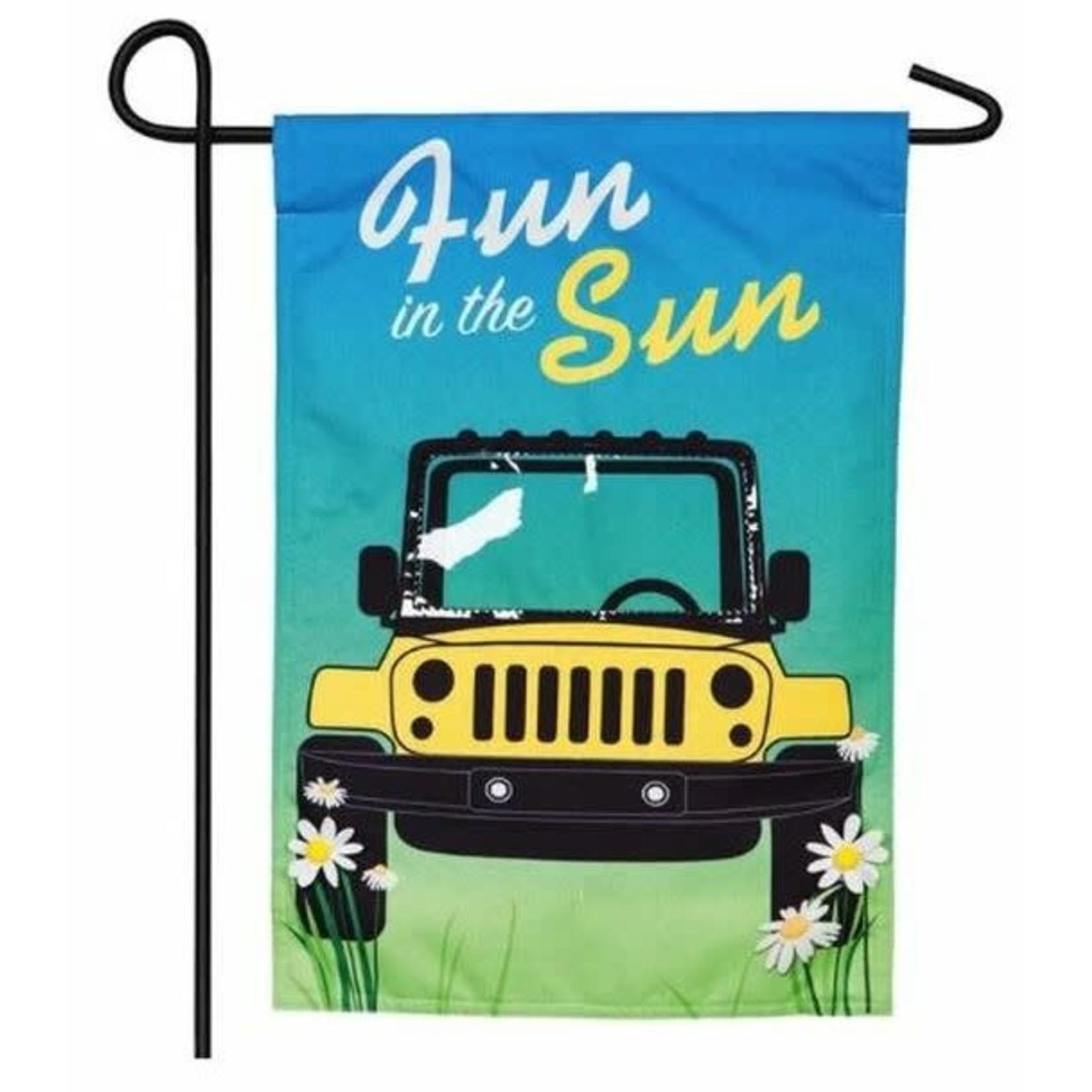 GARDEN FLAG FUN IN THE SUN