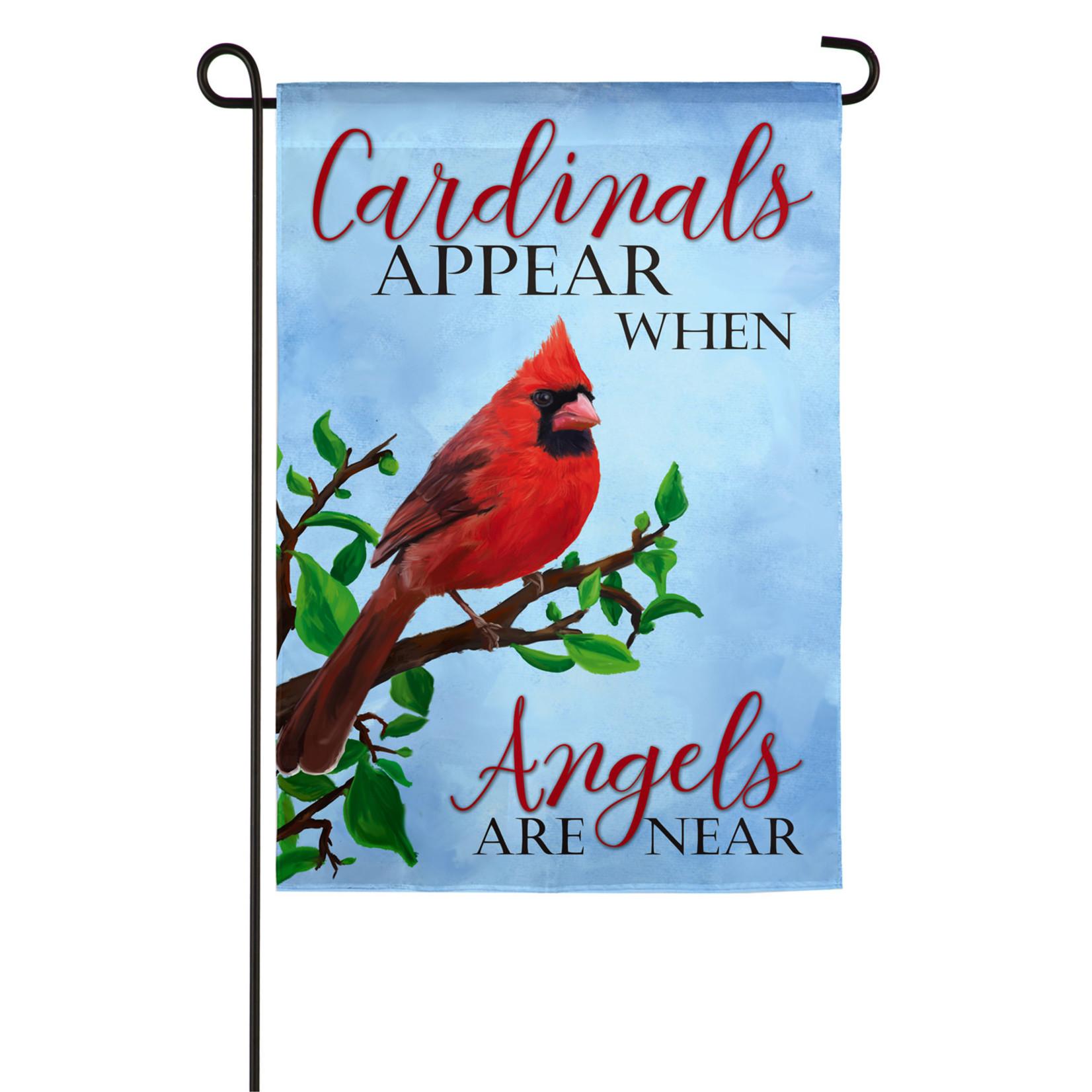 CARDINALS APPEAR GARDEN FLAG
