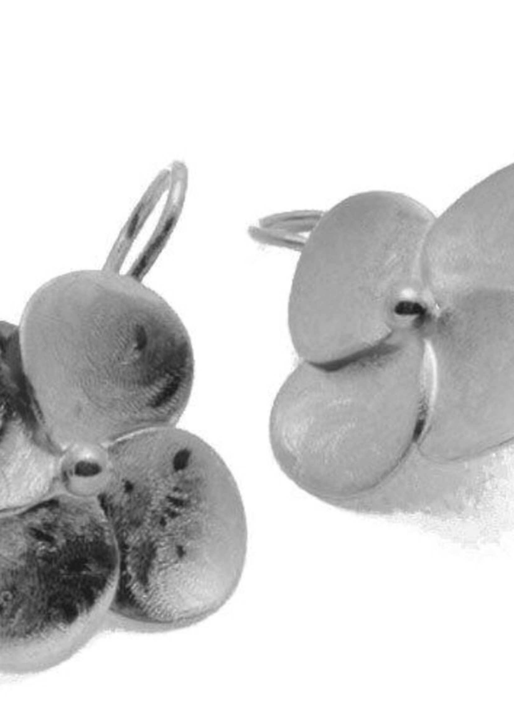 sheila fajil Small Flower Drop