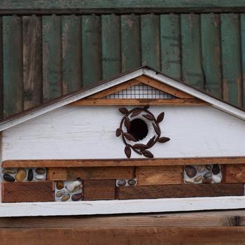 HOUSES NATURE CREATIONS BARN WOOD  BIRD HOUSE #67 WHITE