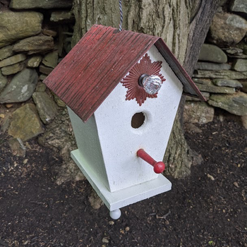 HOUSES NATURE CREATIONS BARN WOOD HANGING BIRD HOUSE #63 RED ROOF