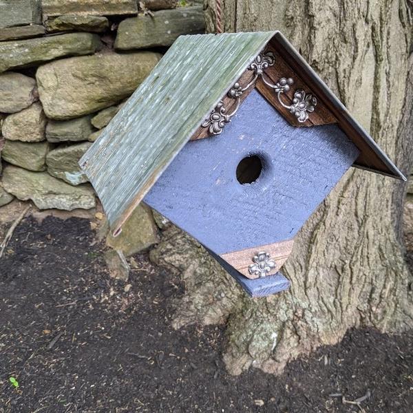 HOUSES NATURE CREATIONS BARN WOOD BIRD HOUSE W/TIN ROOF #70 GRAY