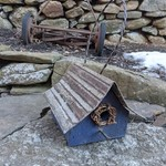HOUSES NATURE CREATIONS BARN WOOD HANGING WREN HSE W/TIN ROOF #40 BLUE