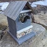 HOUSES NATURE CREATIONS BARN WOOD BIRD HSE W/TIN ROOF #55 SLATE