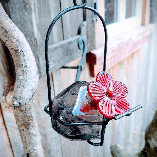 FEEDERS PARASOL LUNCH PAIL 3 OZ. GLASS AMETHYST HUMMINGBIRD FEEDER