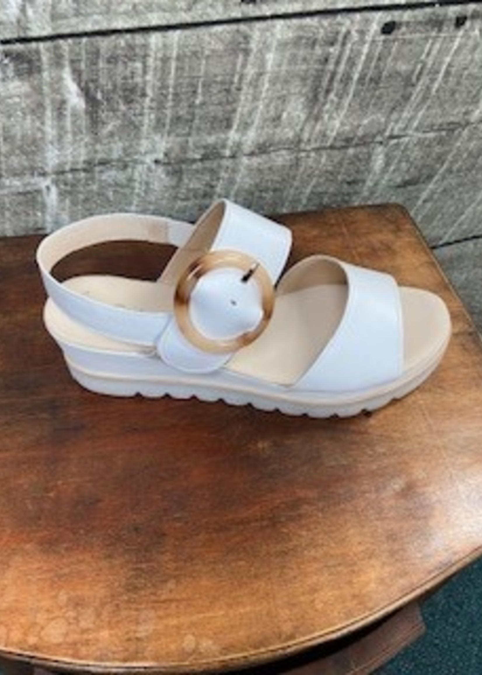 Gabor Nappa White Sandal with Buckel 64.645.21