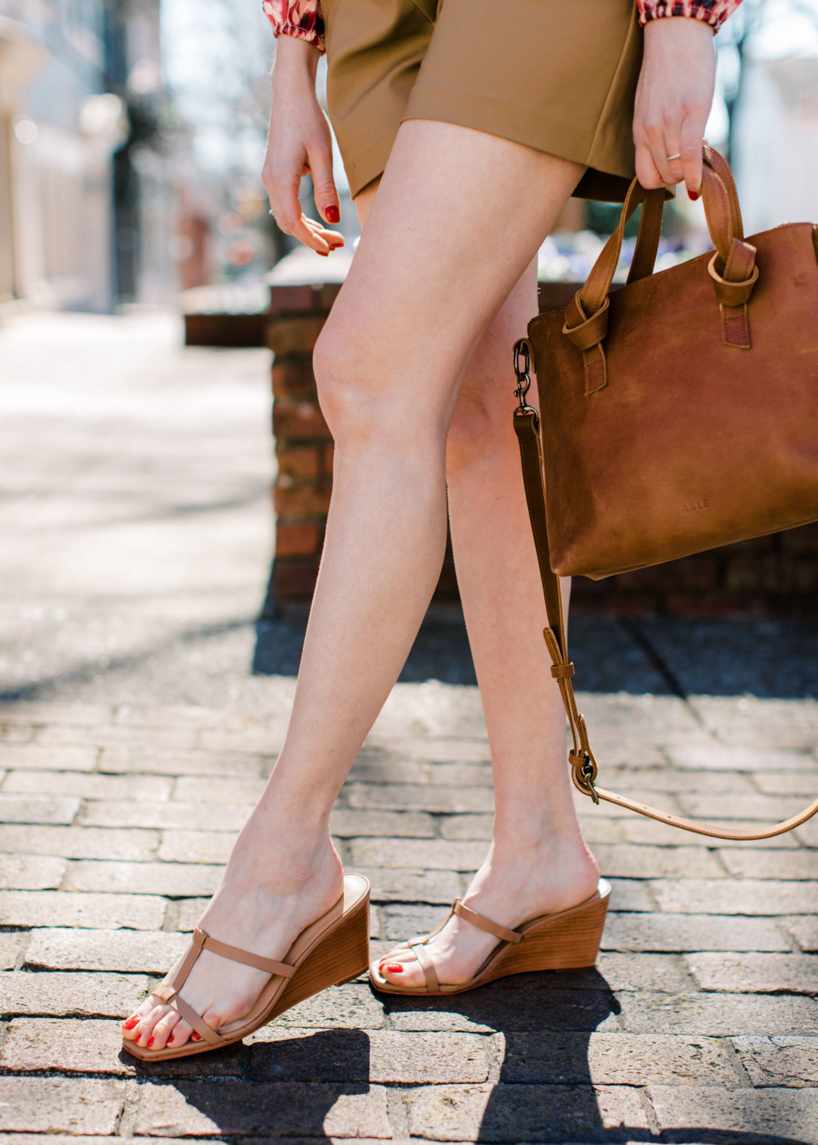 Elitaire Boutique Isabell Honey Wedge
