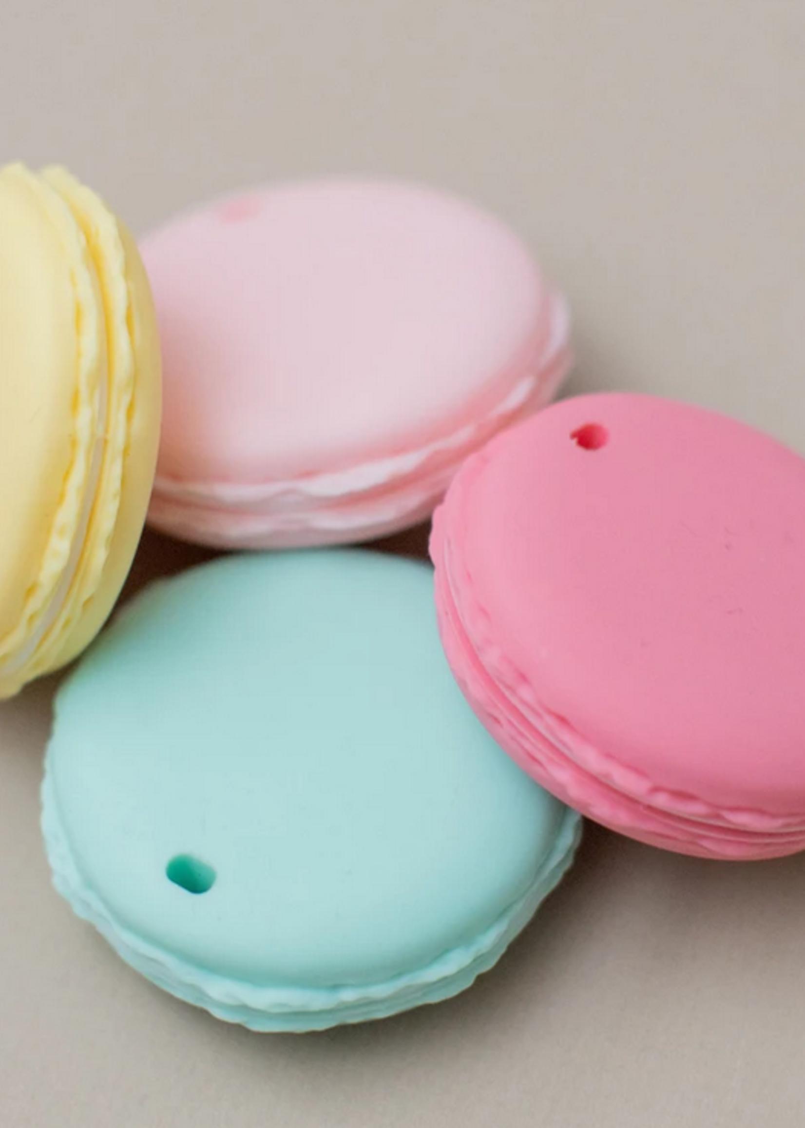 Elitaire Petite Macaron Silicone Teether