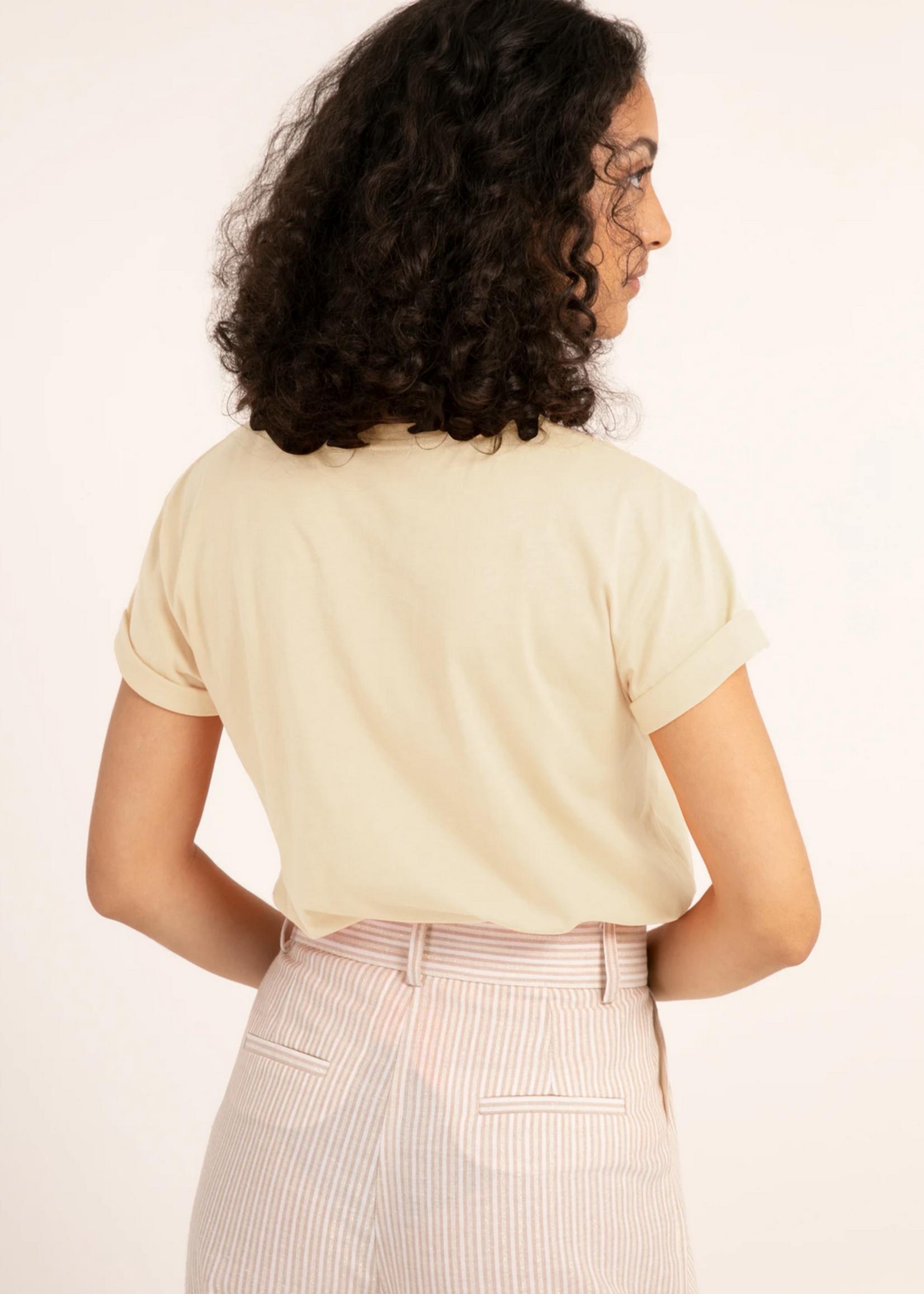 Elitaire Boutique Chervis T-Shirt in Creme