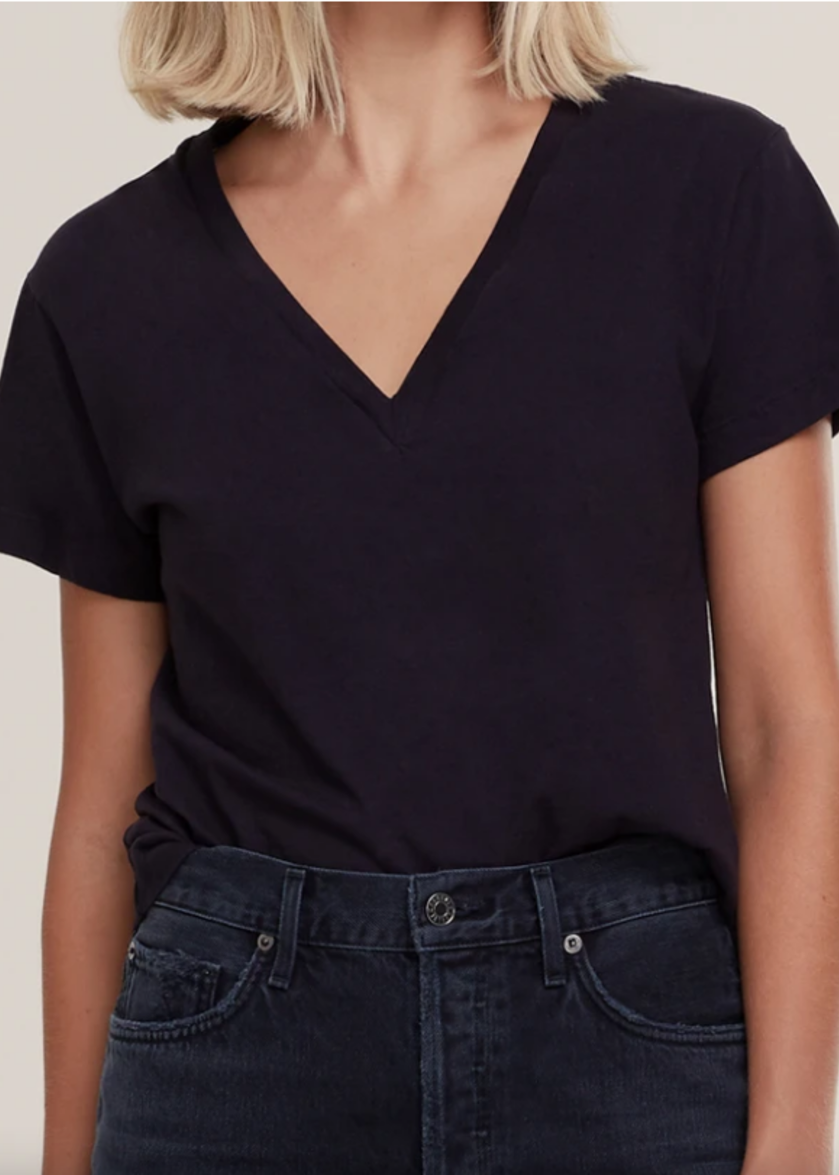 Elitaire Boutique Thea V Neck Tee in Black