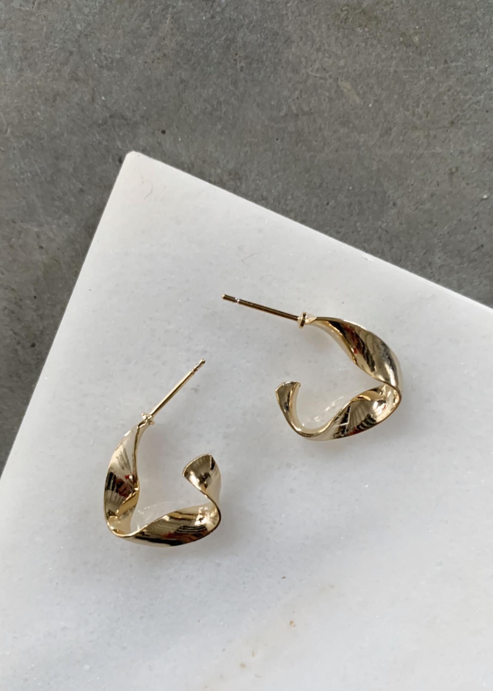 Elitaire Boutique Mini Gold Wave Hoops