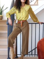 Elitaire Boutique Jaeny Straight Leg Pant in Old Gold