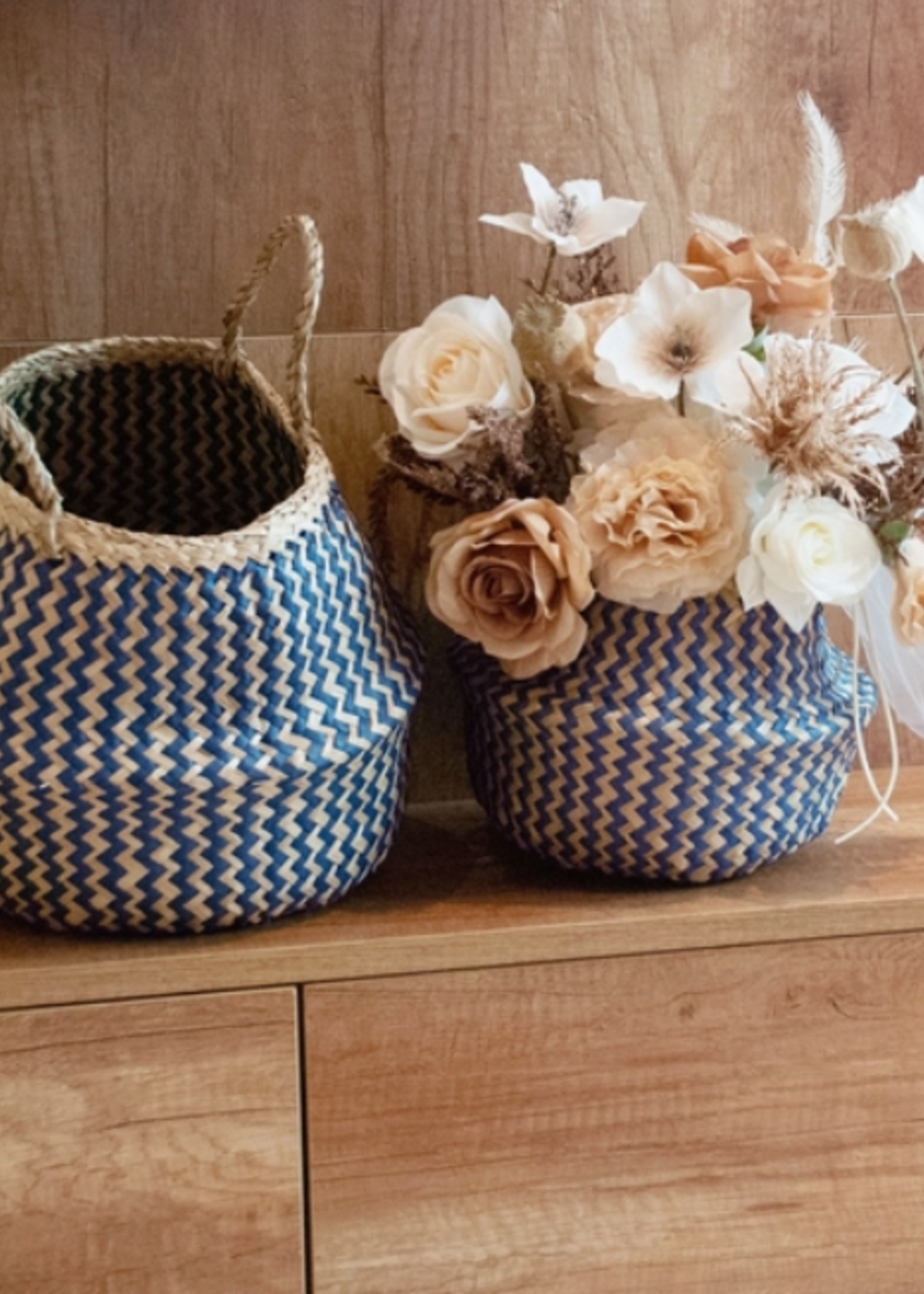 Elitaire Petite Small Belly Basket in Blue & Natural