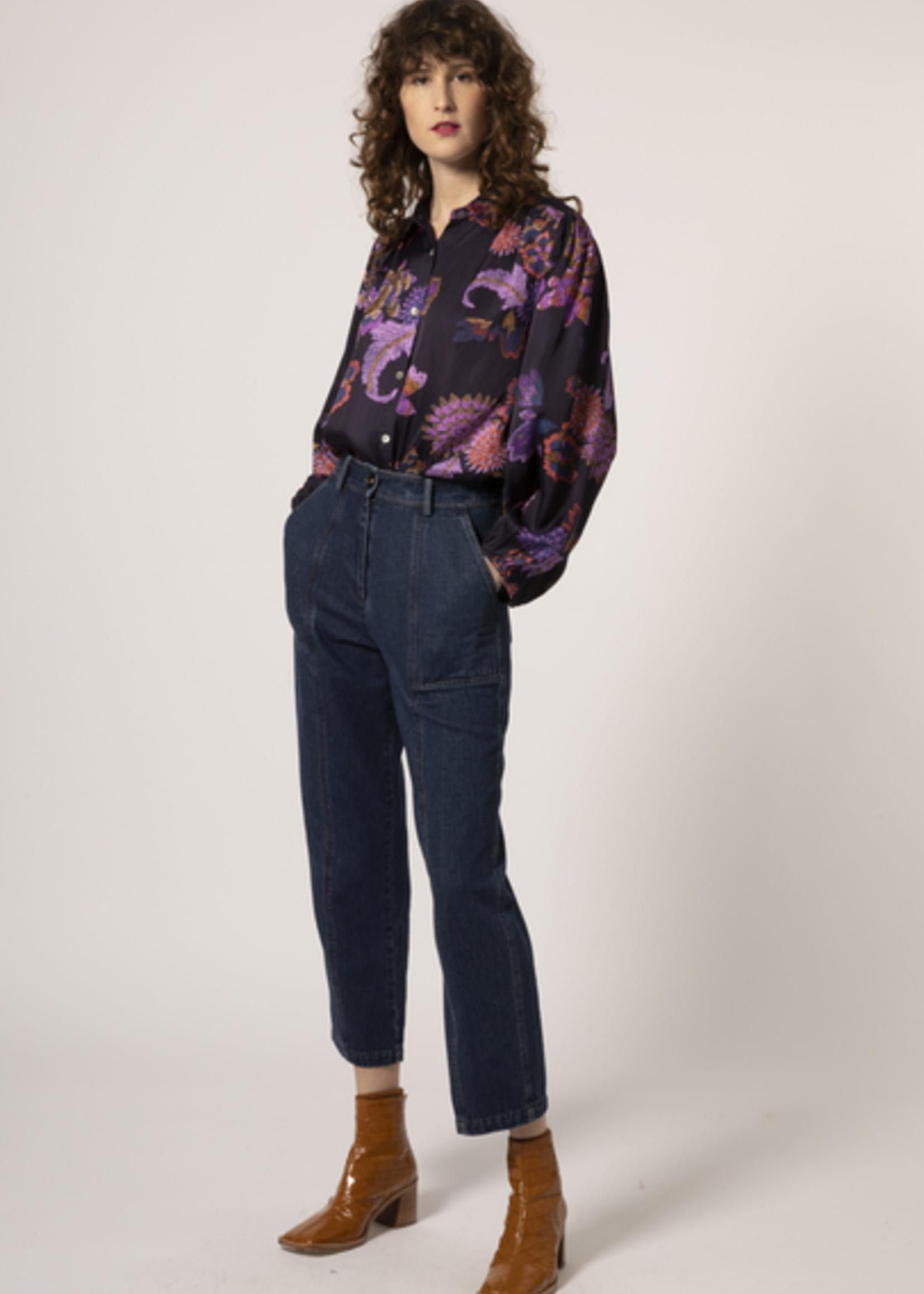 Elitaire Boutique Camassia Shirt in Retro Floral