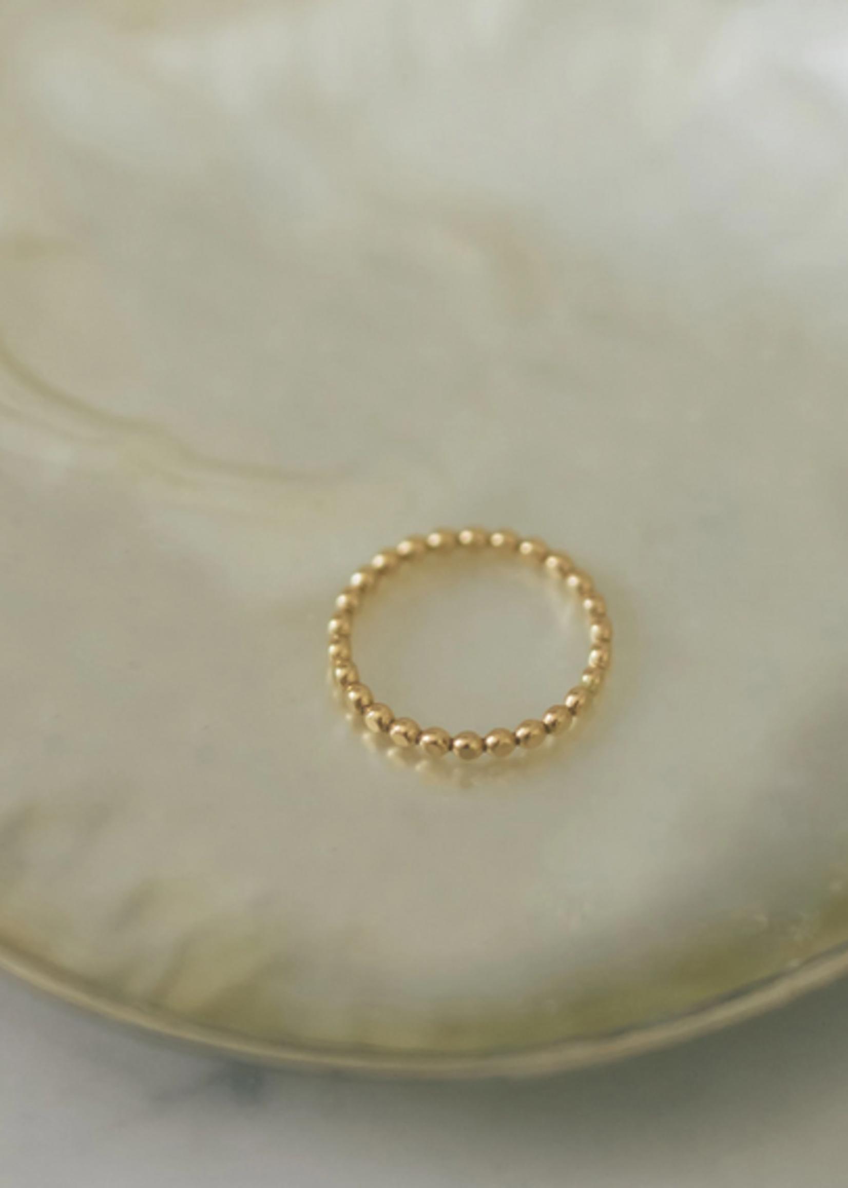 Elitaire Boutique Caesar Dot Ring Gold