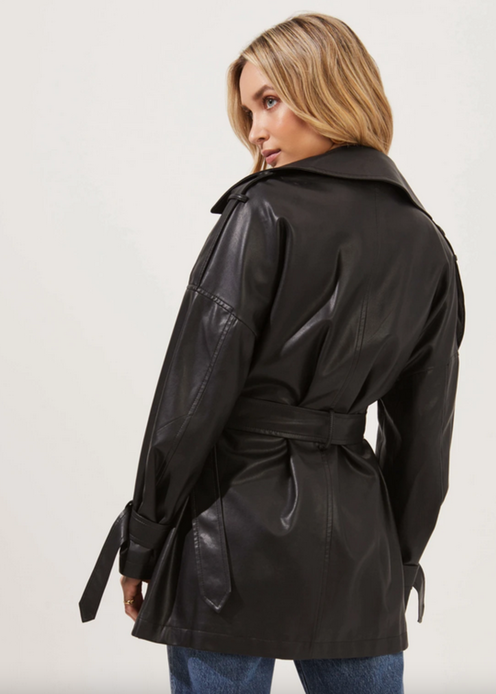 Elitaire Boutique Peoria Jacket in Black