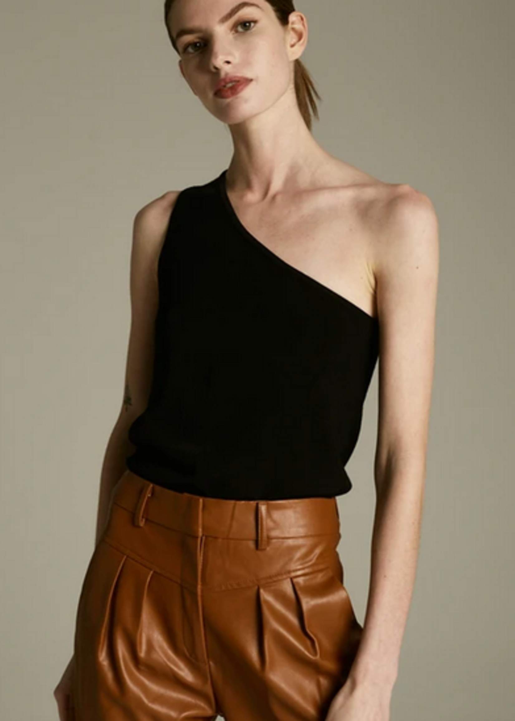 Elitaire Boutique The Cleo Top in Black