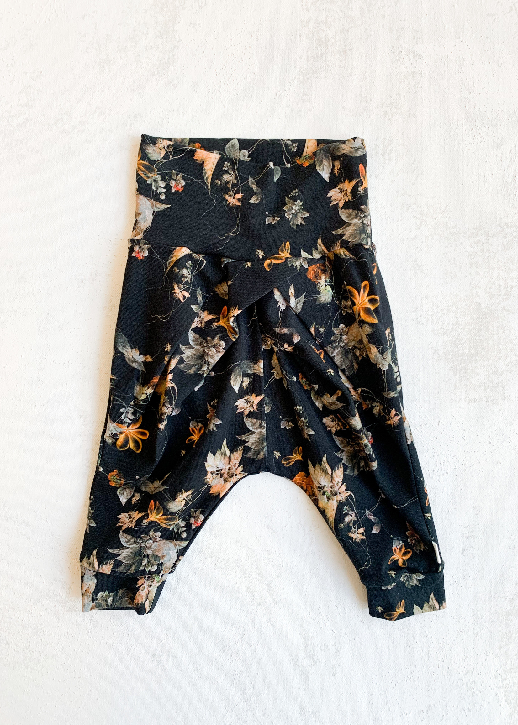 Elitaire Petite Poetry Pants in Antique Floral