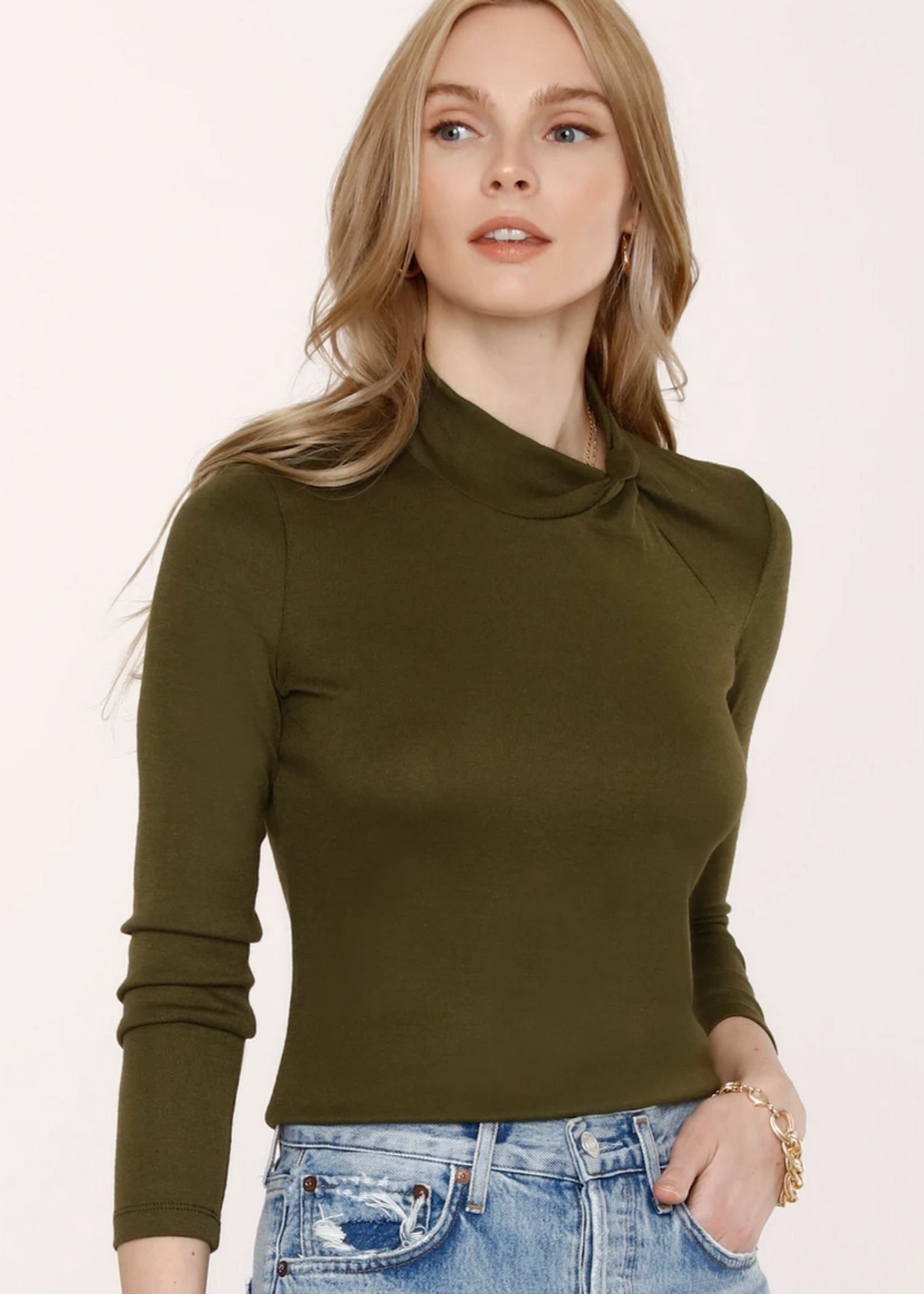 Elitaire Boutique Colette Top in Army