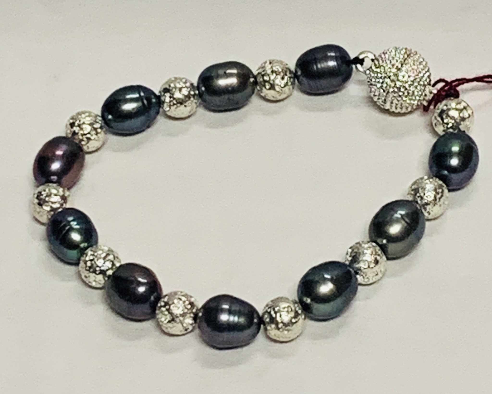 Manmade Hawaii BRACELET: TAHITIAN PEARL WITH SILVER AND MAGNETIC CLASP