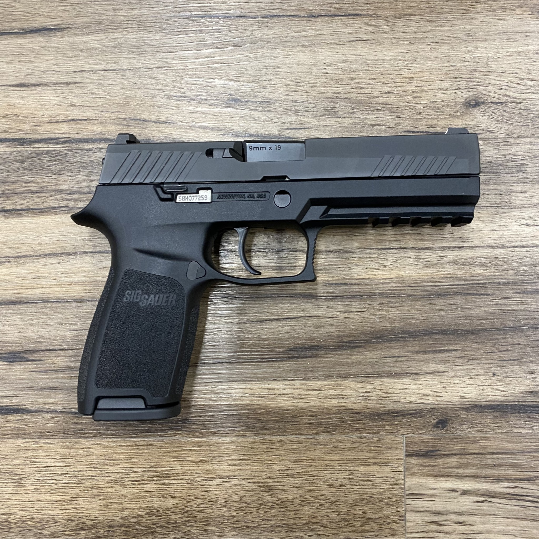 SIG SAUER SIG SAUER P320F PISTOL, 9MM, BLACK, W/ 3 MAGS, PRE-OWNED