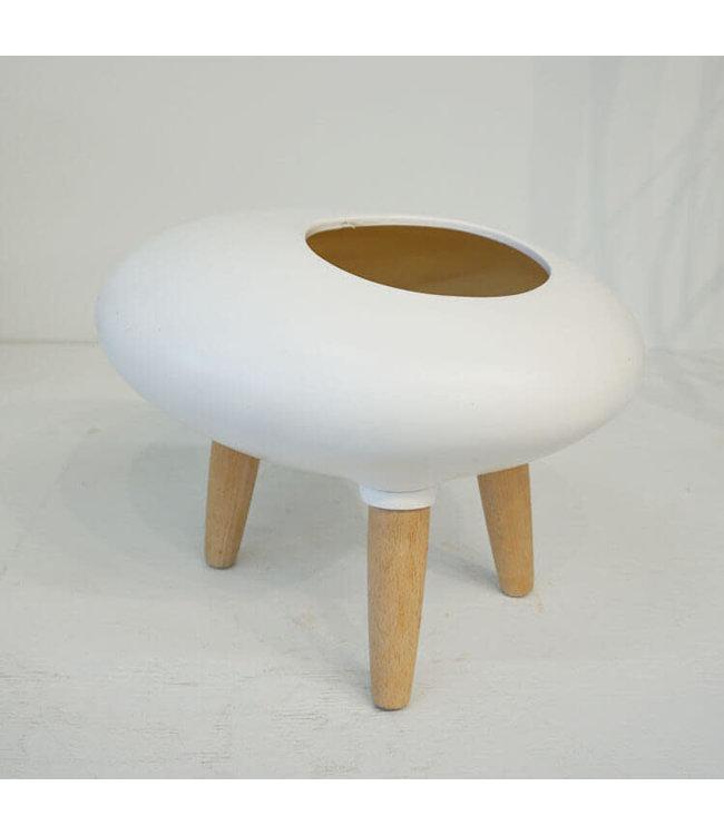 Pot, Oval Ceramic Legs Wh 13.5 in