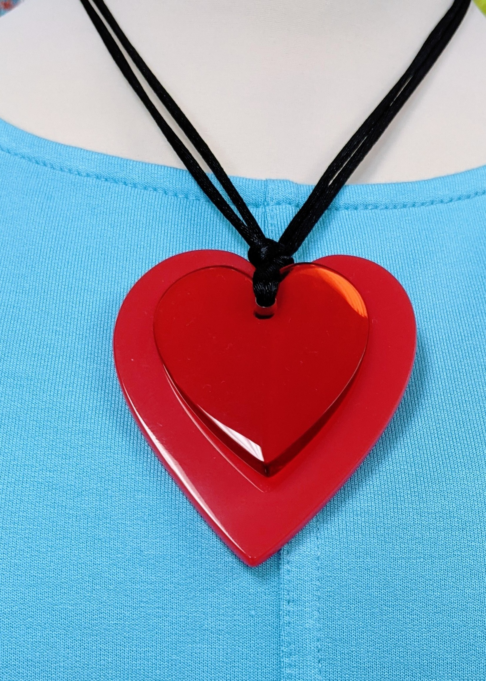 Zsiska Zsiska Double Heart Pendant, Red