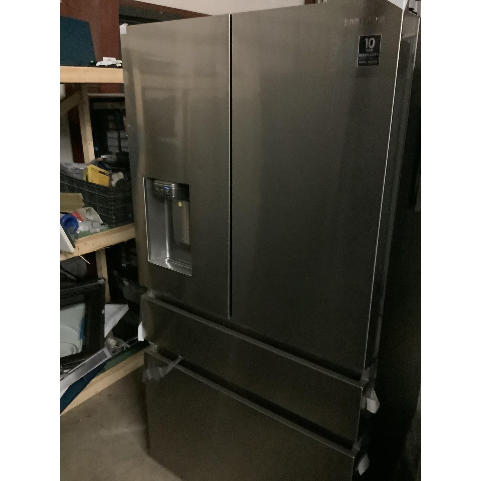 Samsung Samsung 4 door refrigerator